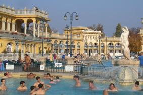 Széchenyi fürdö Heilbad Bäder in Budapest Tipp