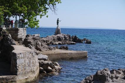Die Jungfrau mit der Seemöwe ist Wahrzeichen Opatijas und das beliebteste Fotomotiv